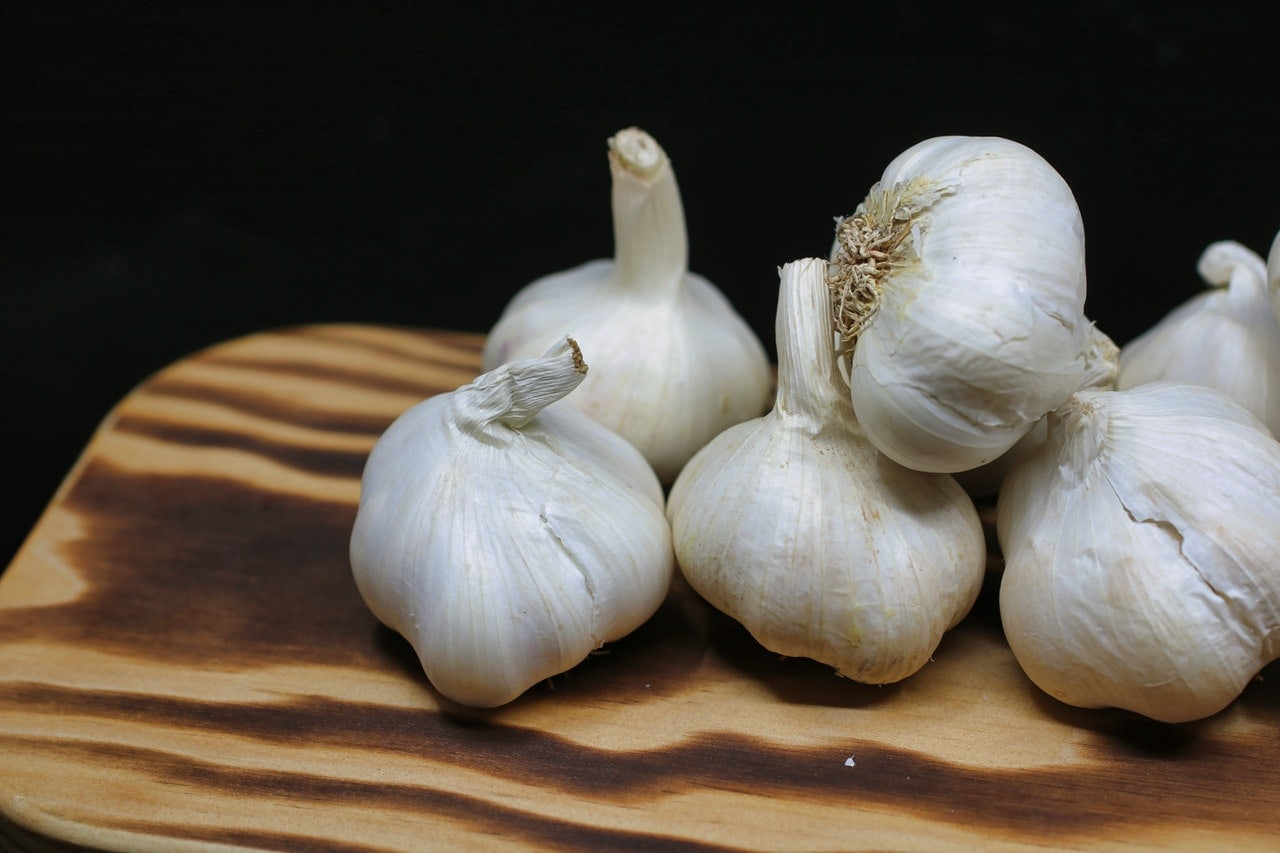 How garlic can improve your health: 7 benefits of garlic